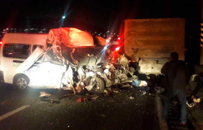 Doce muertos y nueve heridos, saldo de trágico accidente en la México-Pachuca