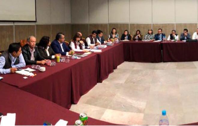 """Morena no será """"tapete"""" de gobernadores ni los acostumbrará a los """"apapachos"""""""